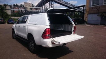 "Кунг кузова ""АВС-Дизайн"" для Toyota Hilux 2015-2020 с двойной кабиной. Грузовая, белая, 1 дверь. Артикул: ABC.TOHIL.BR.04W"